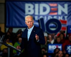 Image of Joe Biden campaigning in Iowa